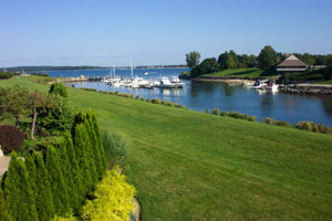 Harbour Point Waterfront Townhouse - Spectacular Views of Northport Bay
