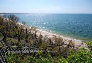 Southold Waterfront - Steps to Sandy Beach